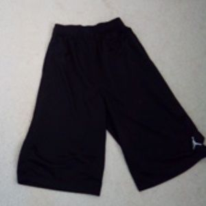 Boys XL Long black Jordan basketball shorts